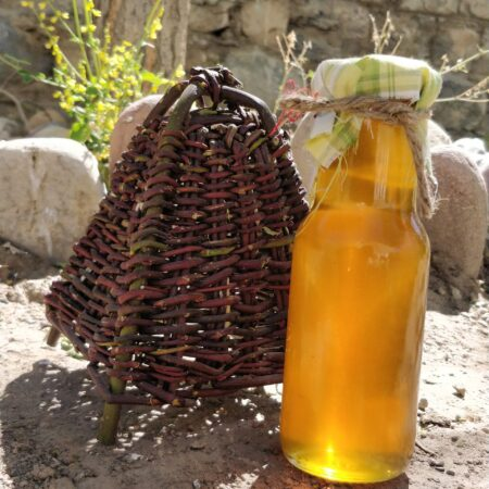 mountain honey bottle and basket product display